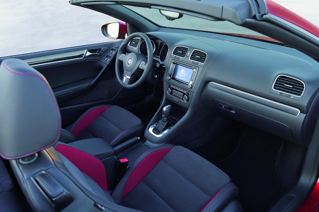 Vw golf 7 cabriolet interieur for Interieur golf 7